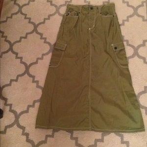 Dresses & Skirts - HiH girl Long ankle length green skirt.